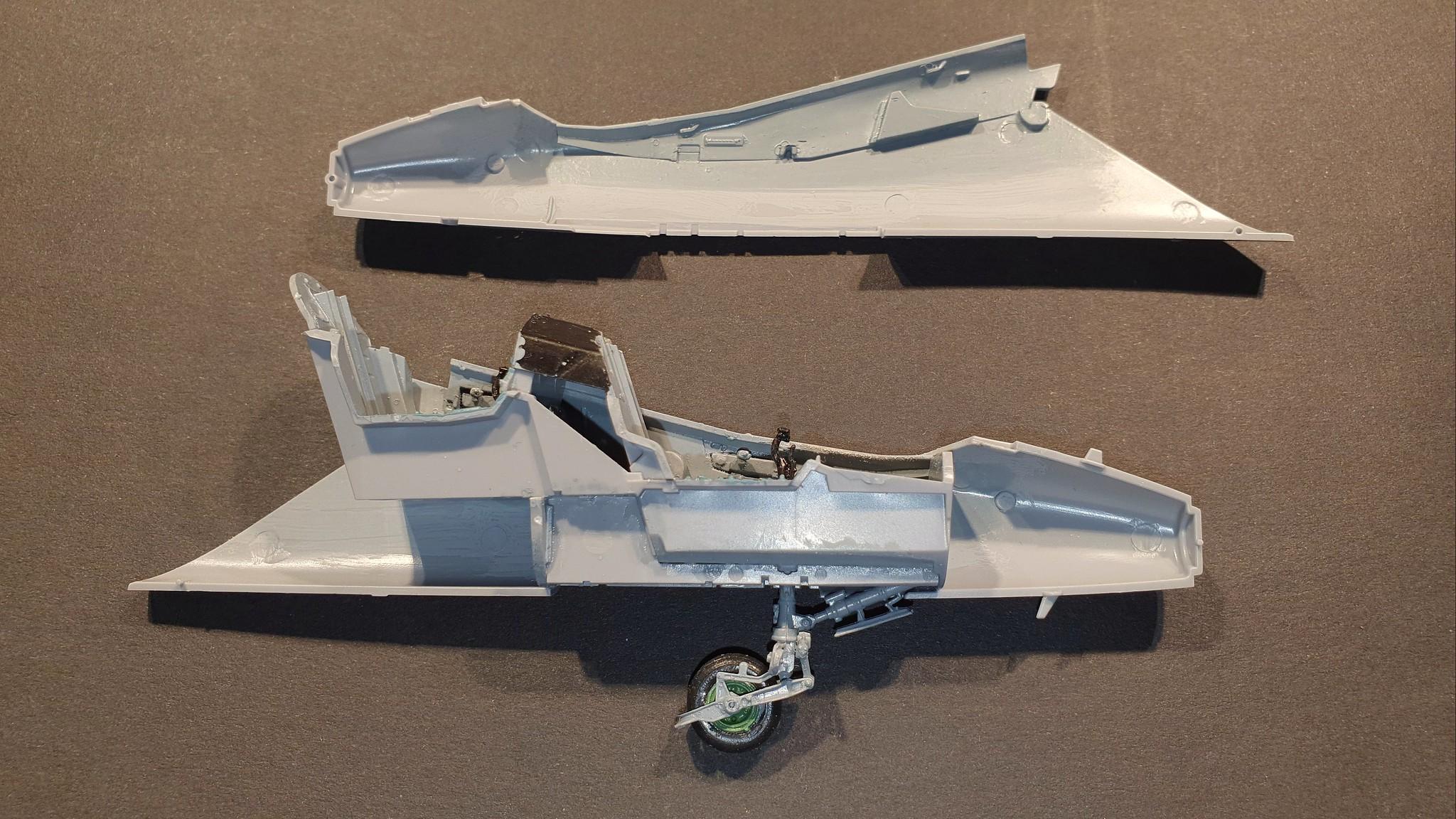 Numera två par tumvantar - Yak-130 Mitten - Zvezda 1/48 - Sida 10 49223613651_9daa8b8b34_k