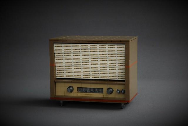 Vintage radio - New Elementary parts fest