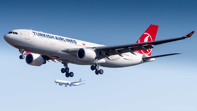 Airbus A330-223 TC-JIS Turkish Airlines