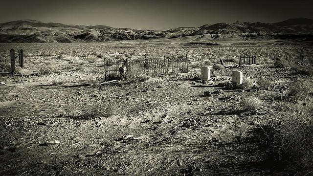Keeler Cemetery, Inayo, California
