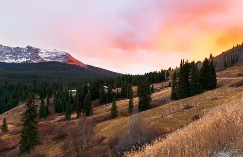 colorado landscape fallfoliage autumn fall roadtrip troutlake alpinelake sanjuanmountains rockymountains sunset mountainpass