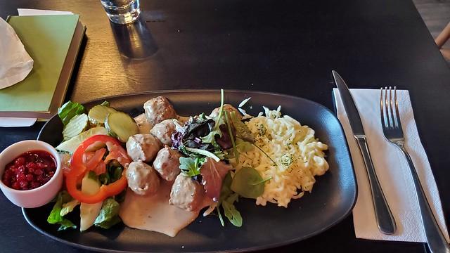 Swedish meatballs!! Yummy!!!