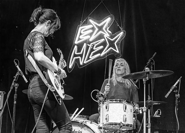 ExHex21bw