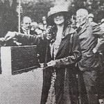 Evelyn Laye lays stone