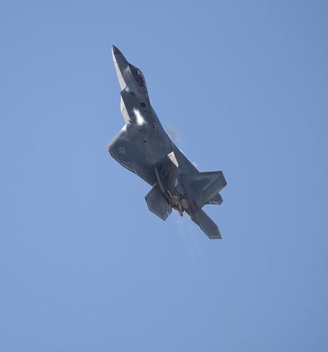 Lockheed Martin F-22 Raptor Climbing