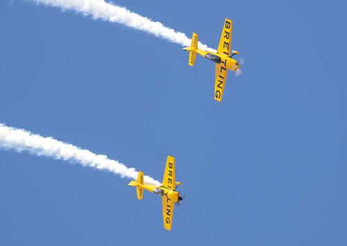 Breitling Stunt Palnes in Formation