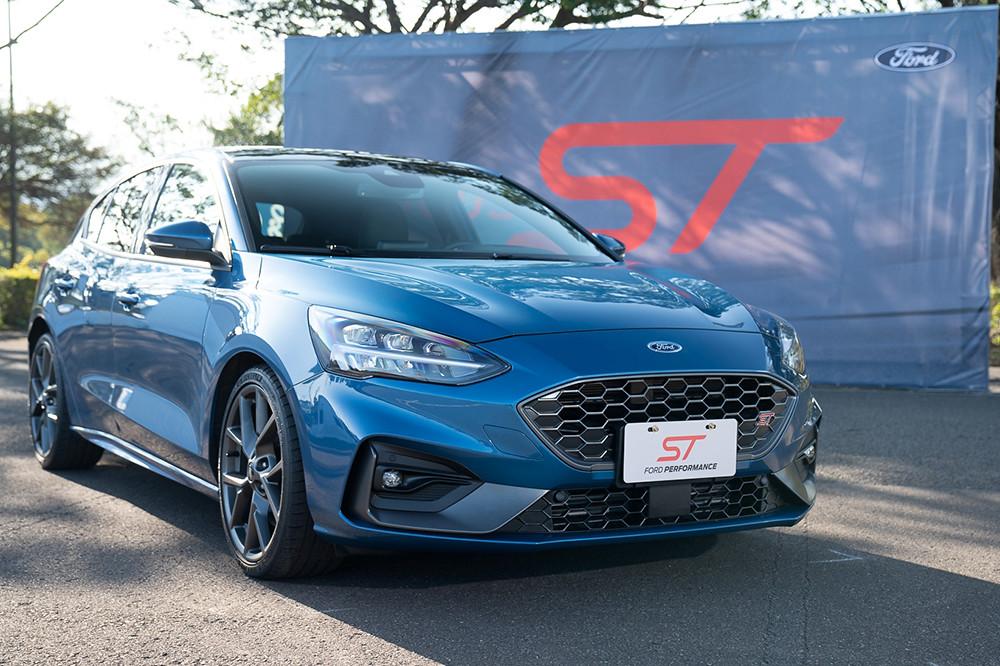 【圖二】New Ford Focus ST承襲Ford Performance車系科技,汲取Ford GT與Ford Focus RS開發經驗精心調校,為車迷呈現全新歐洲性能鋼砲