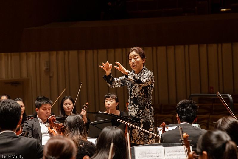 許瀞心教授帶領師大交響樂團在衛武營亮相。圖/周芳晨提供