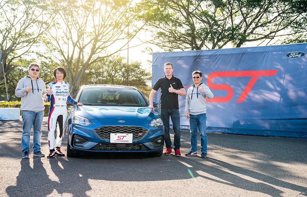 【圖一】福特六和宣布New Ford Focus ST預約訂購正式開始,預接單價136.9萬;(左至右)福特六和營銷服務處副總經理蘇嘉明、賽車教父陳俊杉、Ford歐洲性能工程團隊經理Stefan Muenzinger、福特六和產品開發處處長黃泰霖