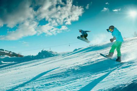 Lyžování nad Jizerou: Skiareál Šachty – Vysoké nad Jizerou a skiareál Kamenec – Jablonec nad Jizerou