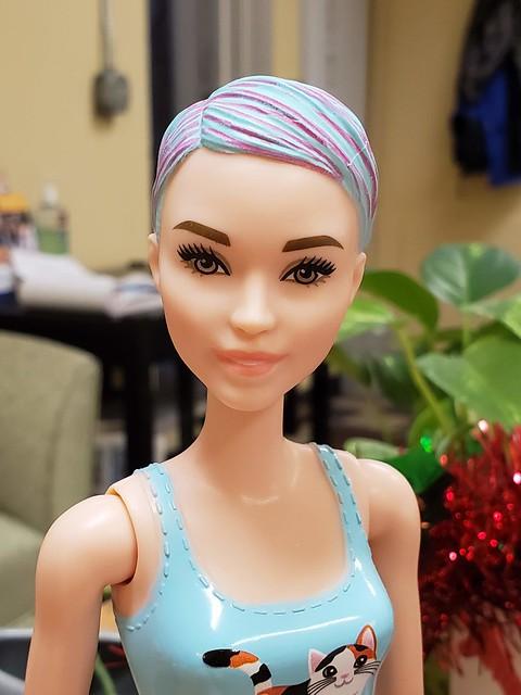 Color Reveal Barbie - Kitten