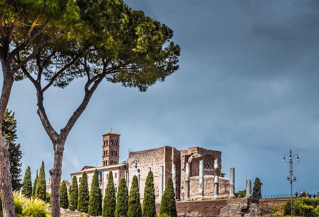 Tempio di Venere e di Roma.