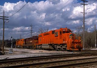 EJE 662 East loaded coal CWEX cars, Joliet, ILL; April 1995_