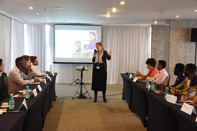 Consolidando a implementação da Agenda da ICPD+25 com a juventude e a sociedade civil