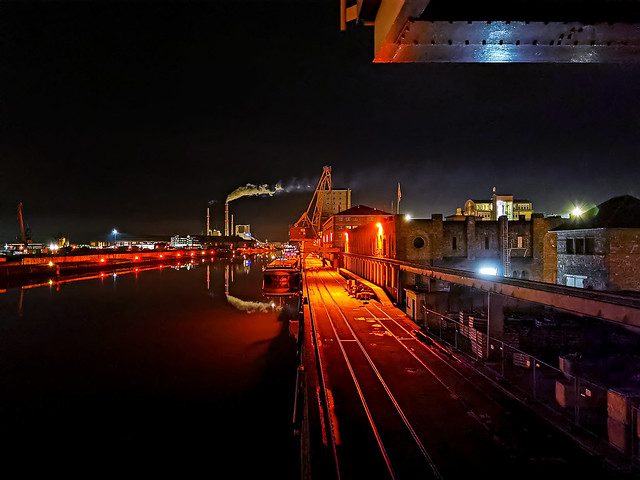 Night harbor | HUAWEI P30 Pro (night mode)
