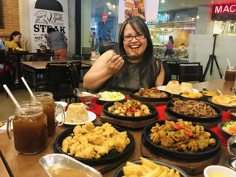 Holy Cow Sizzlers, Trinoma Mall