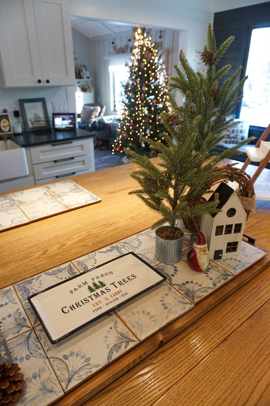 Tabletop Christmas Decorations Modern Farmhouse Kitchen Island Decor Ideas
