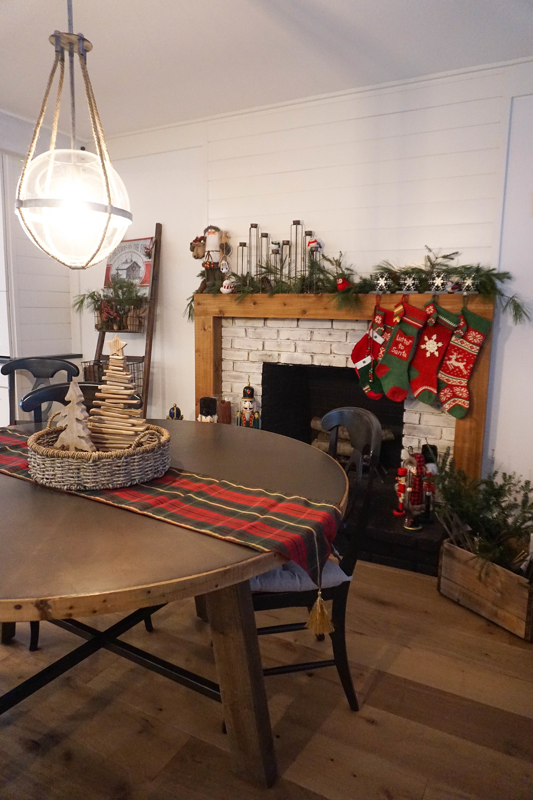 Dining Room Fireplace Christmas Trees Decor Modern Farmhouse Christmas Decorations Inspiration