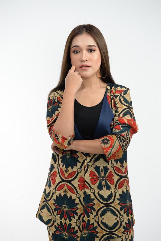 Gundah Ernie Zakri