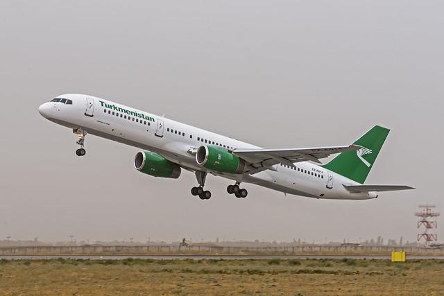 Turkmenistan 757-200