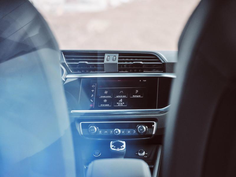 Audi Q3 by Waleed Shah 34