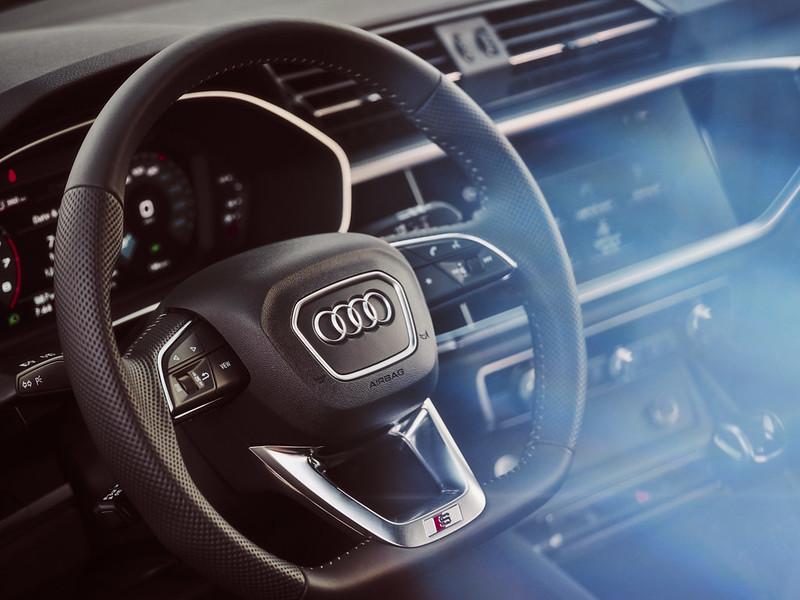 Audi Q3 by Waleed Shah 28
