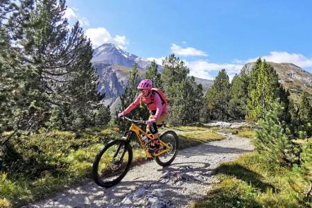 Letní tipy SNOW tour: Dolní Engadin – pohádková cyklistika