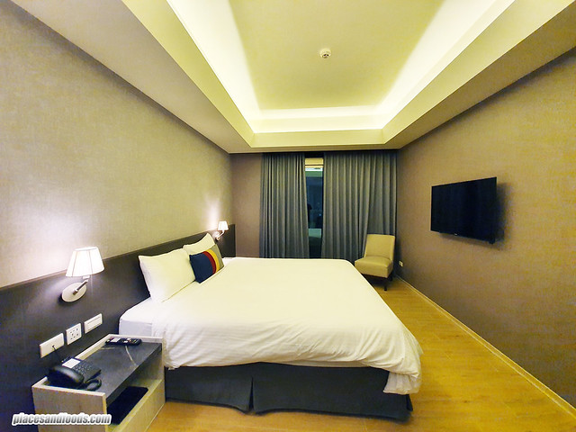f hotel king size room
