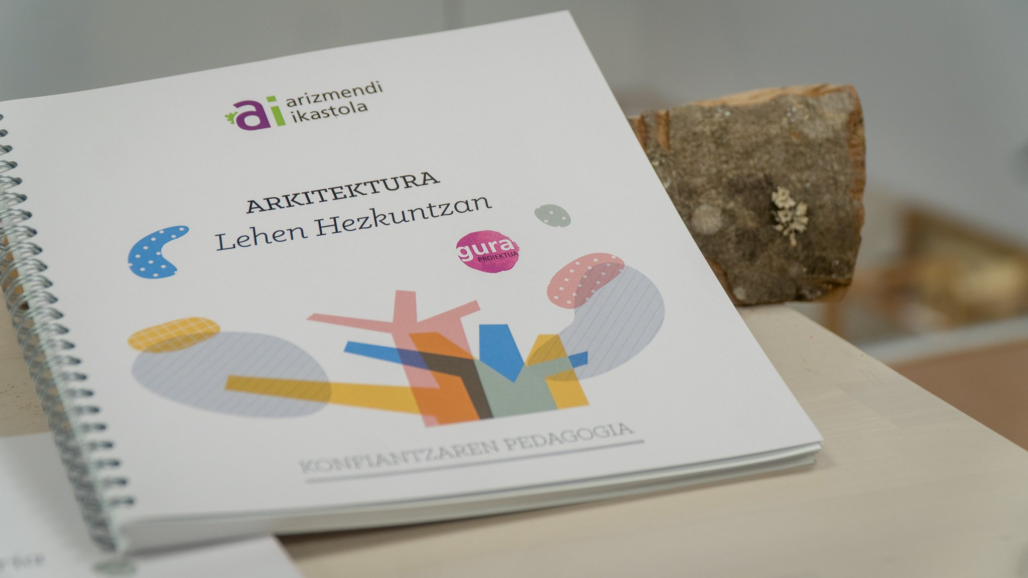 Arizmendi_LHarkitektura_liburua