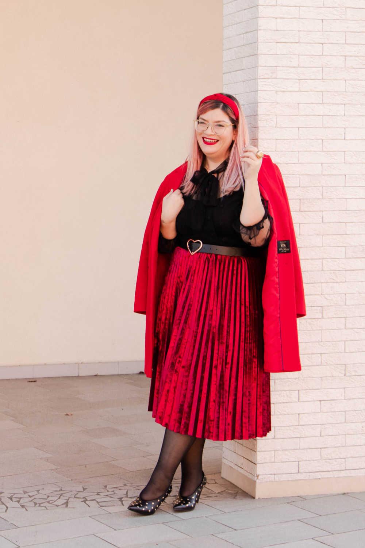 Outfit plus size curvy rosso e nero (7)