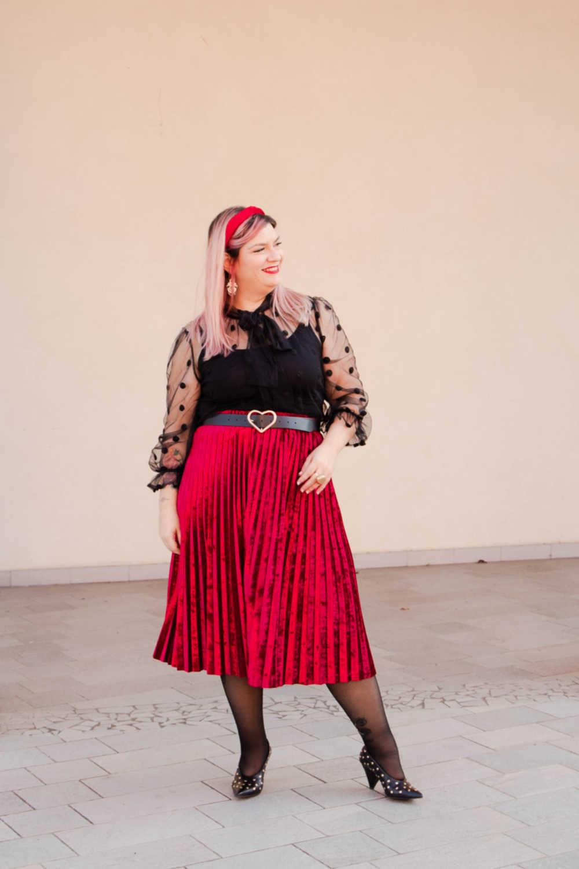 Outfit plus size curvy rosso e nero (2)