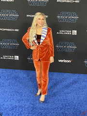 Ashley Eckstein at the Star Wars the Rise of Skywalker Los Angeles Premiere - IMG_4605