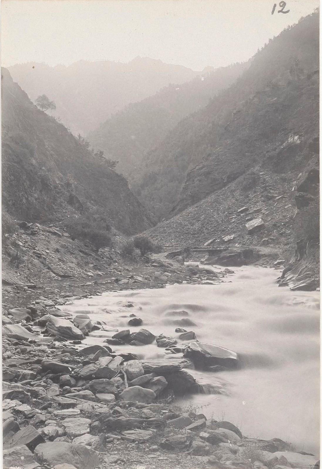 12. Восточный Кавказ. Южный Дагестан. Ущелье в долине реки Андийское Койсу, август 1898
