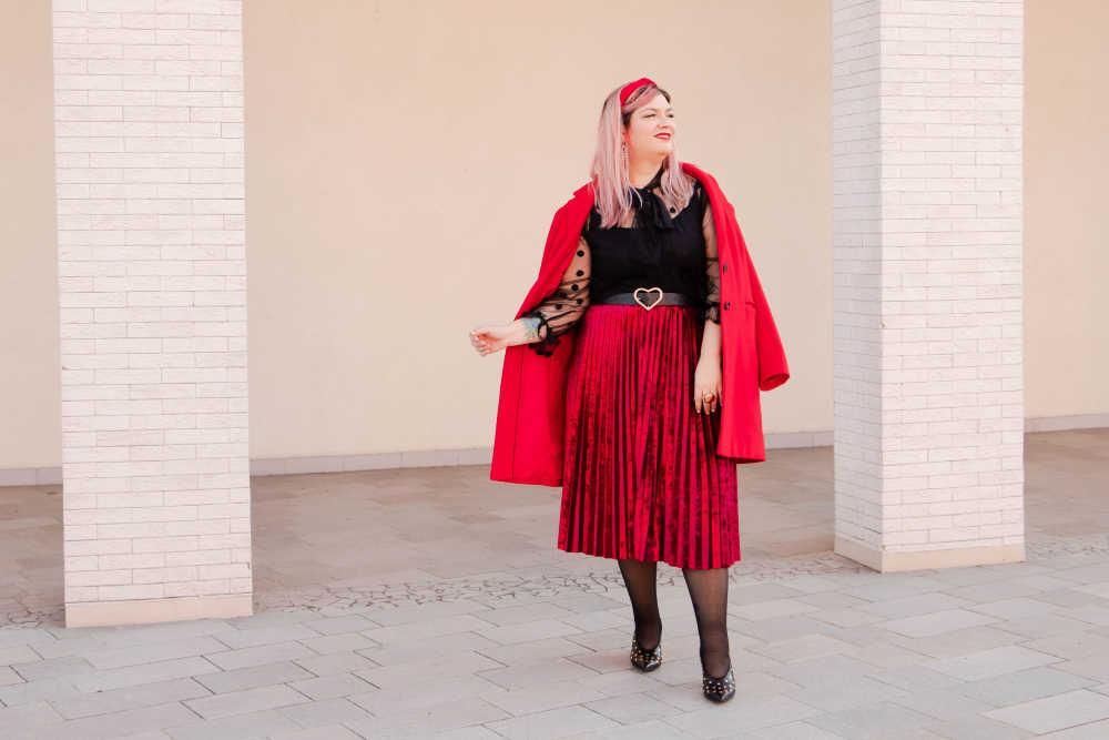 Outfit plus size curvy rosso e nero (6)