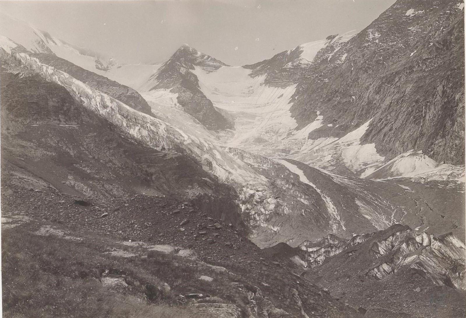 17. Восточный Кавказ. Дагестан. Ледник Большой Анцохский, август 1898