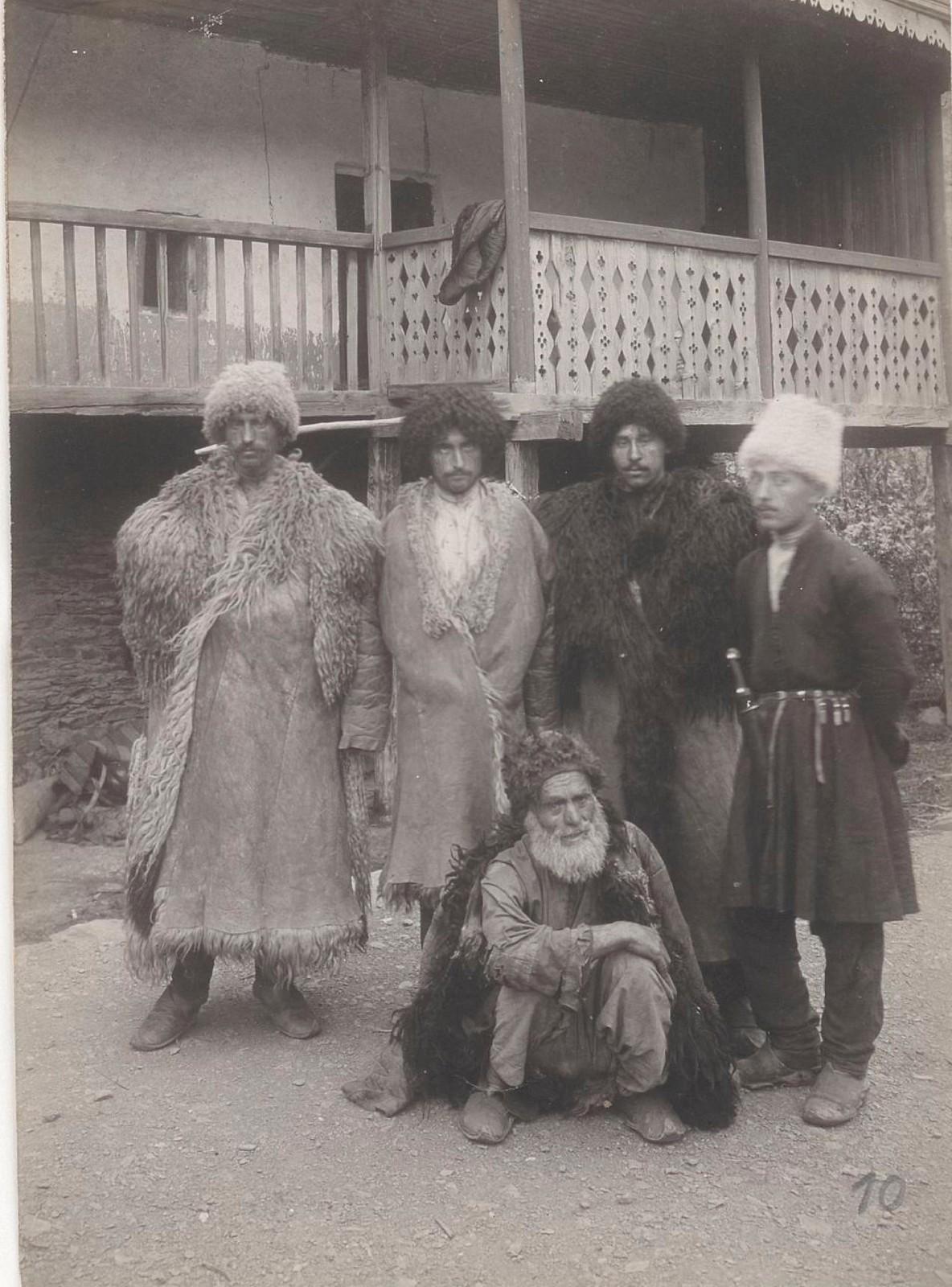 10. Восточный Кавказ. Дагестан. Лезгины из деревни Этчедей, долина реки Андийское Койсу, август 1898