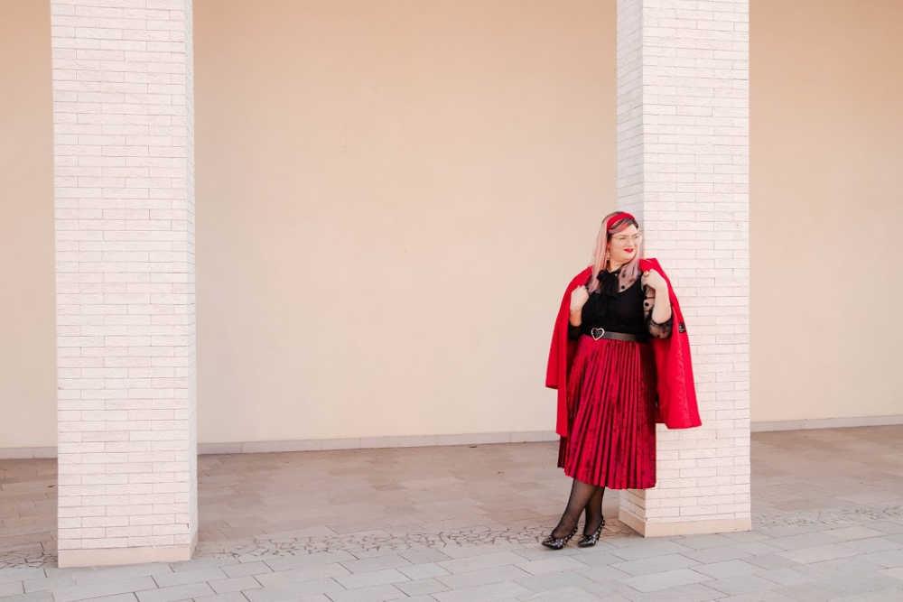 Outfit plus size curvy rosso e nero (11)