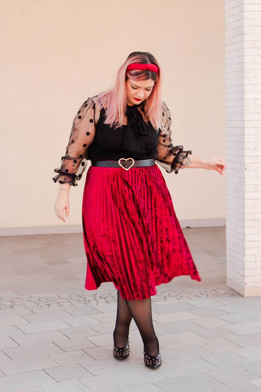 Outfit plus size curvy rosso e nero (4)