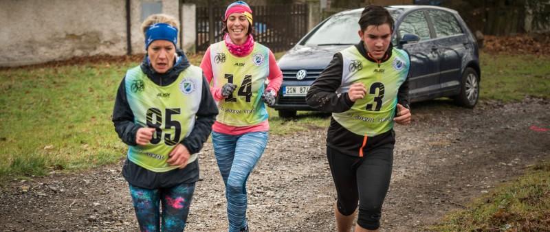 S běžci Železnohorského poháru si zazávodili i divočáci
