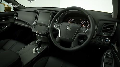 Toyota Crown Athlete G Safety Car (N300) Cockpit