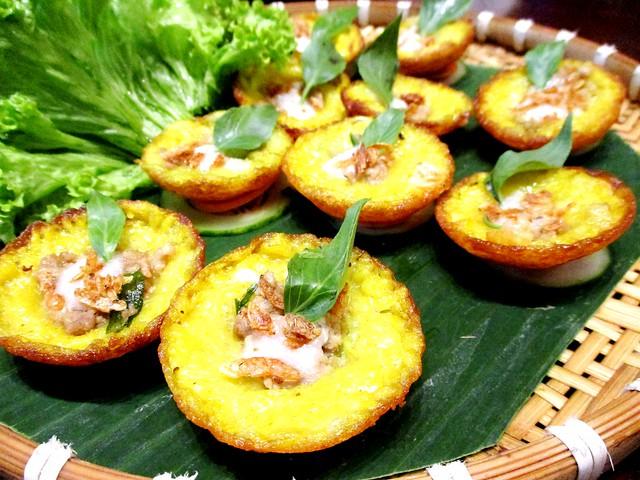 Le Saigon mini banh khot cakes