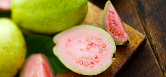 3701 10 Health Benefits of Eating Guava at least once a week