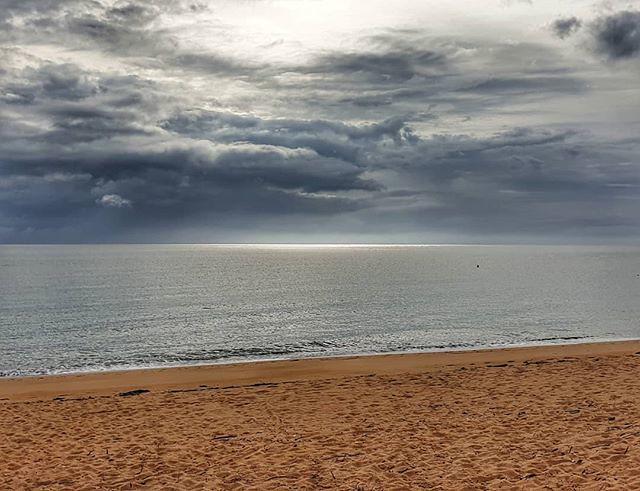 Light over the ocean #totaranui #abeltasmannationalpark #decemberadventure #day2