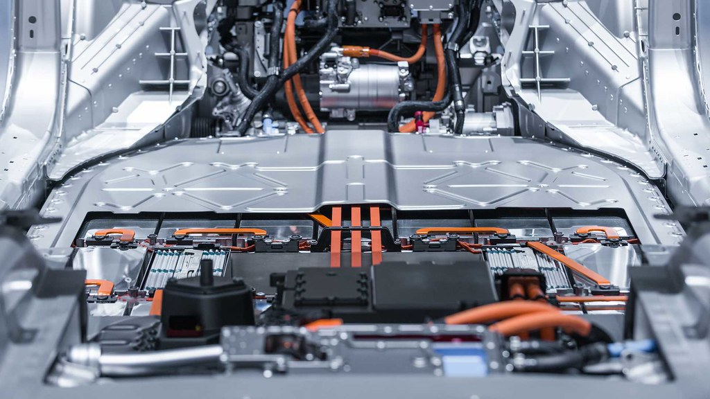 electric-car-lithium-battery-pack-and-power-connections
