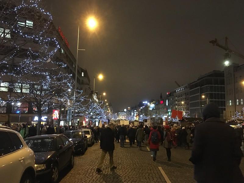 """Millió Pillanat a Demokráciáért"""" demonstráció Prágában, 2019.12.17."""