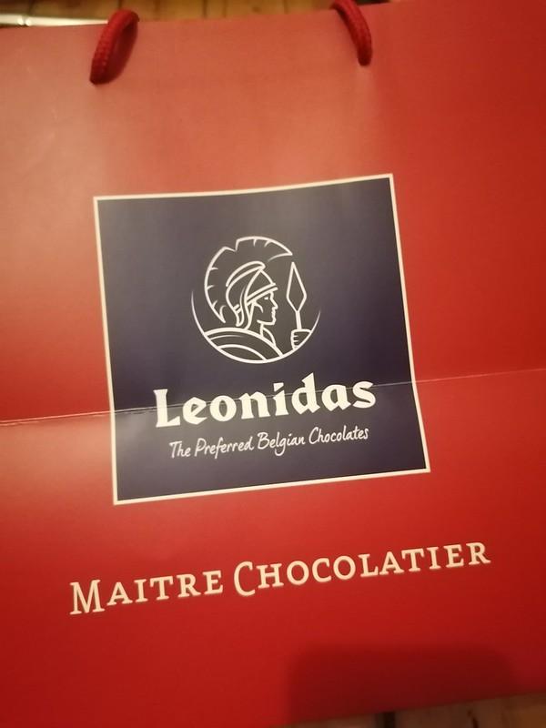 Vuelta a casa desde #Bruselas con uno de los mejores regalos que voy a hacer en mi vida. Chocolates #Leonidas