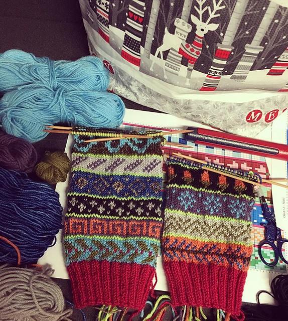 Back at the mechanic; more advent sock progress. 🎄🎄 #knitting #sockknitting #adventsocks