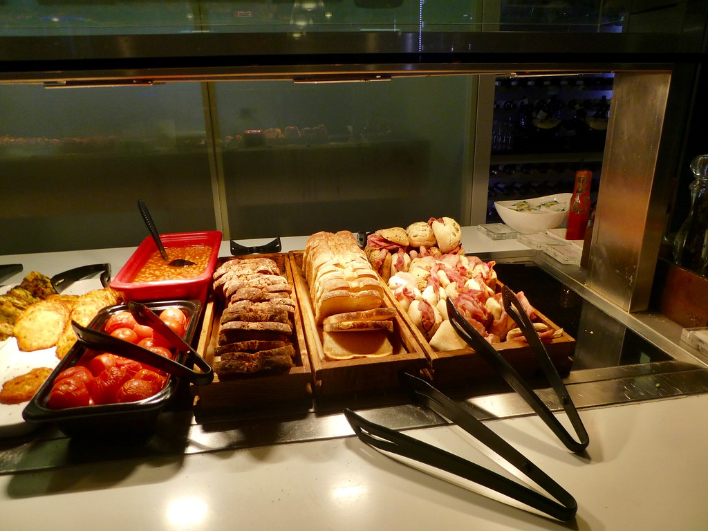 Tempting breakfast treats in the BA Galleries South Lounge