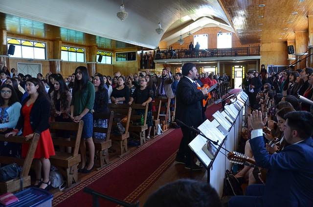Jóvenes de IMPCH Chillán visitan iglesia de Mulchén