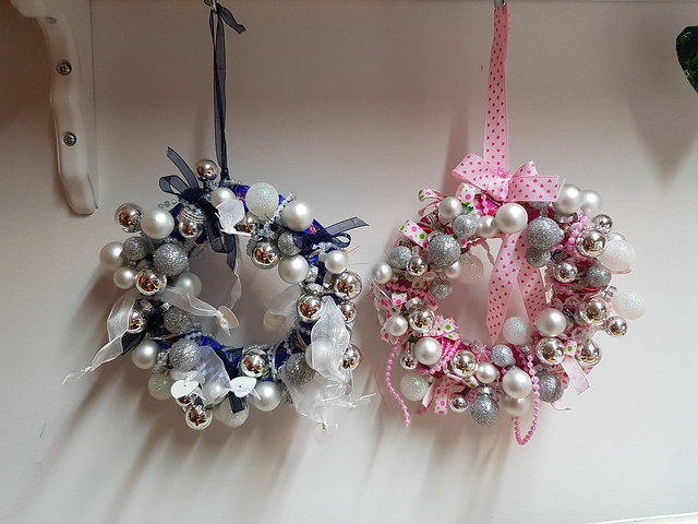 Christmas Wreaths blue and pink style